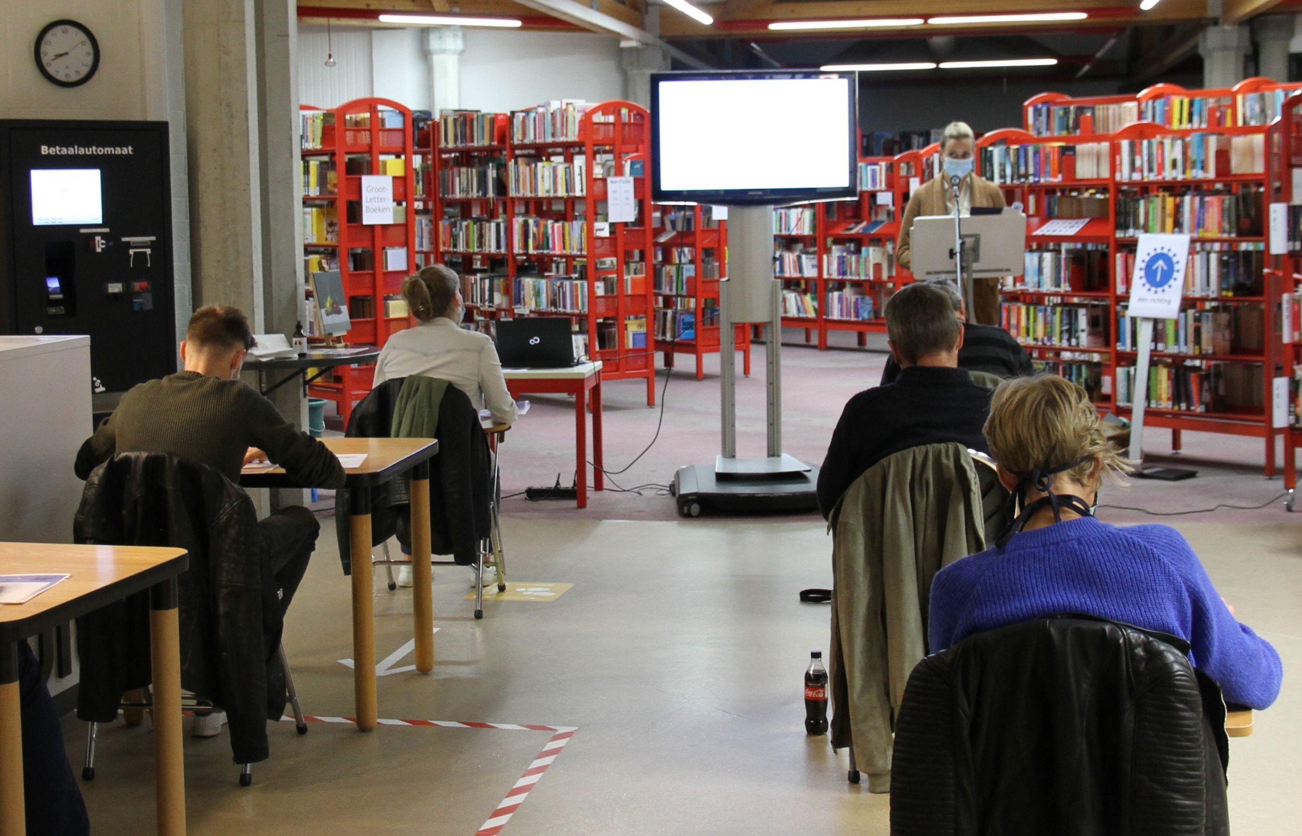 Covid-19-dictee in de bibliotheek