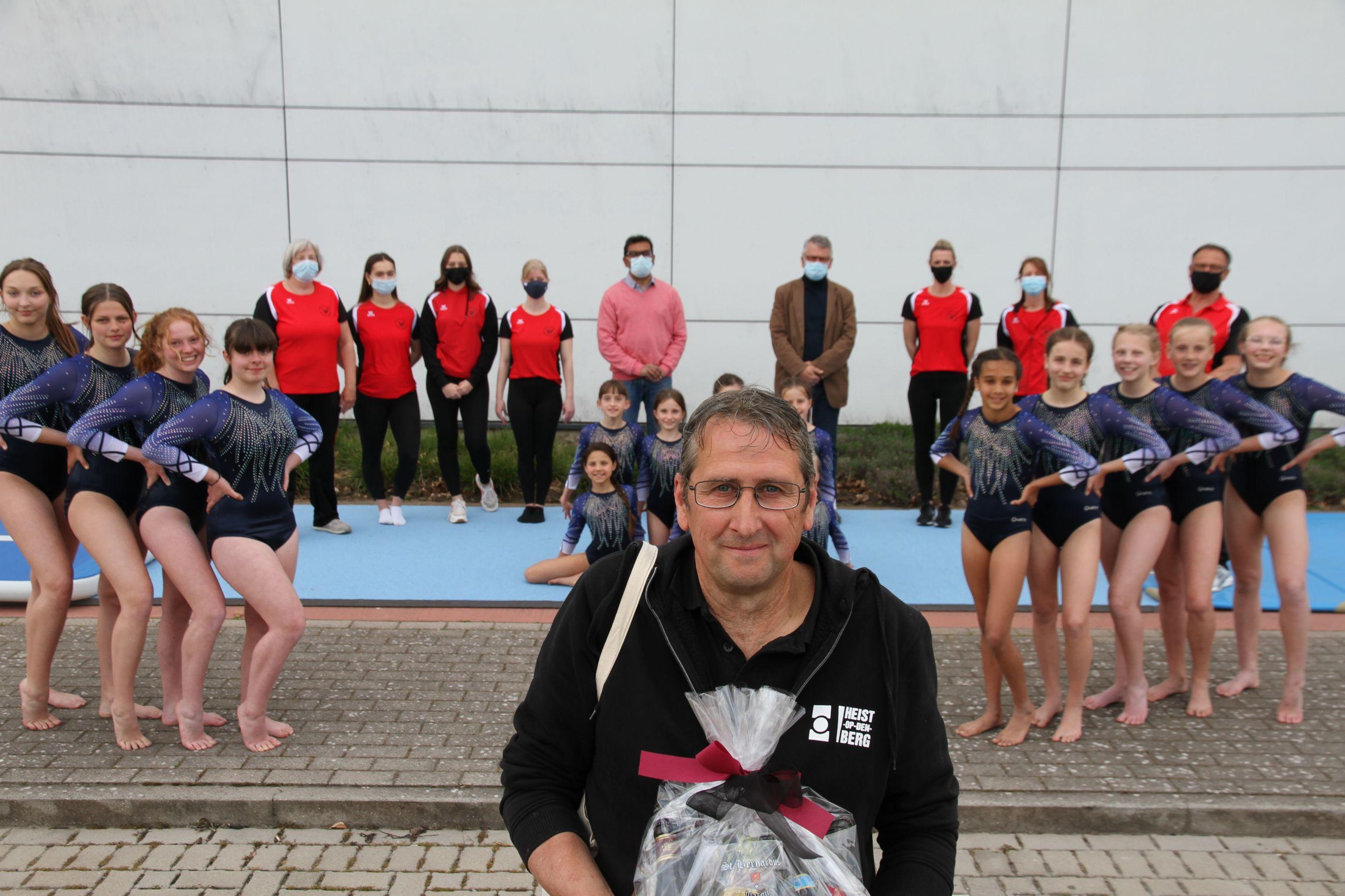 Zaalwachter Wim en collega's houden De Sporthal draaiende